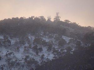 16 07 Snow on Mt Majura A Clausen DSC08170